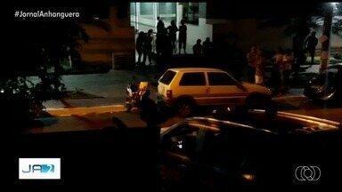 Guerra pelo tráfico de drogas com facções do RJ e SP assusta moradores da Grande Goiânia - Polícia diz que homem morto em ação da PM dentro de apartamento no Bueno fazia parte de facção de São Paulo.