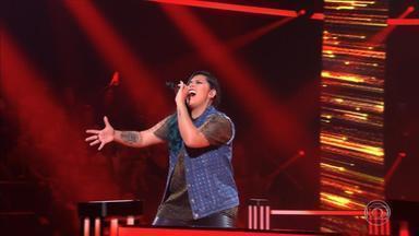 Gaúcha Paula Araújo se classifica para a próxima fase do The Voice Brasil - Assista ao vídeo.