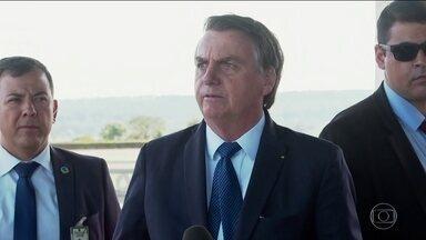 Bolsonaro conversa com Angela Merkel sobre queimadas na Amazônia - Planalto disse que conversa foi franca e cordial. Bolsonaro falou das ações na região e reiterou que não cogita discussão sobre a soberania do território.