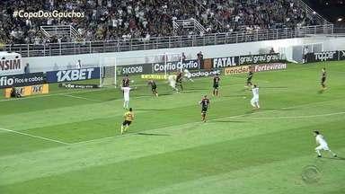 Brasil de Pelotas perde para o líder Bragantino na Série B - Assista ao vídeo.