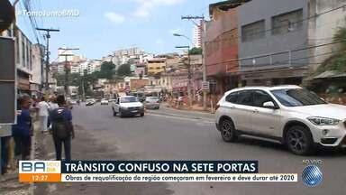 Obras de requalificação causa transtornos na região de Sete Portas - O trânsito está complicado na região e a comunidade reclama do problema.