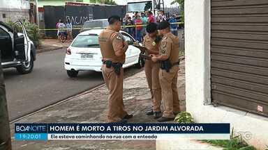 Homem é morto a tiros no Jardim Alvorada, em Maringá - Principal suspeita da polícia é acerto de contas por tráfico de drogas