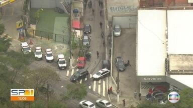 Polícia faz operação em Paraisópolis - Agentes cumprem mandados de busca e apreensão