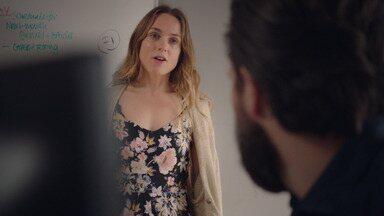 Episódio 4 - Laura encontra seu primeiro namorado e acha que ele pode querer voltar. Katie começa oficialmente a namorar de novo, e Alison faz uma descoberta sobre a gravidez.