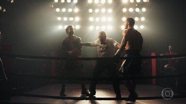 Começa a luta entre Rock e Paixão - Adversários se enfrentam no ringue