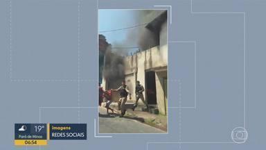 PMs salvam moradores em incêndio em casa, em BH - Caso ocorreu no bairro Aparecida, na Região Noroeste da capital.