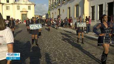 Desfile de 7 de setembro acontece em São Cristóvão - Os moradores saíram às ruas para ver a marcha de alunos de escolas do município.