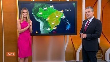 Meteorologia prevê calor em várias regiões do país nesta segunda-feira - No Centro-Oeste, o tempo vai continuar seco, em quase toda a região e no Nordeste também. A chuva está prevista para o leste nordestino, especialmente na Bahia. No Norte também pode chover e no Sul, o risco é de temporal.