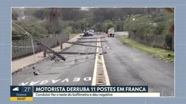 Motorista derruba 11 postes em Franca - Ele fez o teste do bafômetro e deu negativo. O motorista disse foi desviar de um cachorro.