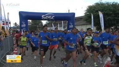 Moradores de Jacobina participam do Circuito Sesc de Corrida e Caminhada - Evento é promovido em várias cidades baianas, com apoio do JM.