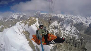 Flying To 8000 Metres / Envol Vers Les 8000
