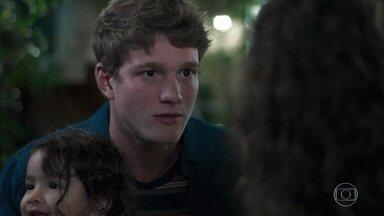 Filipe diz a Rita que Lígia tem direito à guarda de Nina - Rita garante que ninguém ama mais sua filha que ela