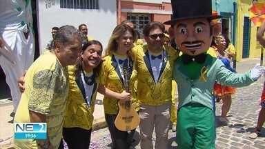 Homem da Meia Noite lança campanha de valorização da vida - Tradicional agremiação do carnaval de Olinda ajuda entidade que trabalha com pessoas em depressão