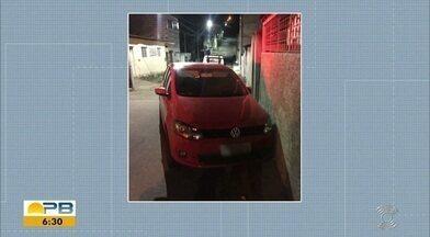 Sequestro Relâmpago; motorista e passageiro ficaram três horas em poder de bandidos - Confira os detalhes com o repórter Artur Lira.