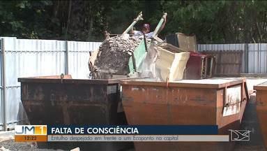 Mesmo com ecopontos, população continua jogando lixo nas ruas de São Luís - Muitas pessoas ainda insistem em colocar todo tipo de lixo em calçadas, ruas, terrenos baldios e até na porta dos ecopontos.