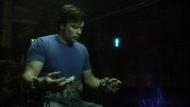 Comprometido - Após sua festa de noivado, Chloe e Jimmy são sequestrados por um psicopata, que os submete a um detector de mentiras com consequências mortais. Lois e Clark tentam salvá-los.