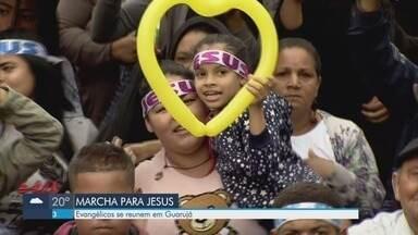Evangélicos se reúnem em Guarujá - Marcha para Jesus percorre vias da cidade.