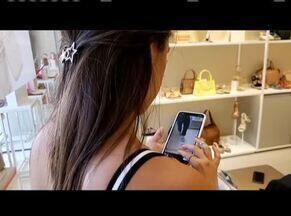 Uso excessivo de celulares pode prejudicar saúde mental - Metade dos brasileiros fica nove horas por dia no celular.
