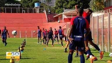 Vila Nova-GO enfrenta o Botafogo de Ribeirão Preto no Serra Dourada - Time goiano quer engatar a segunda vitória seguida e seguir fora da zona de rebaixamento.