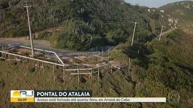Acesso às praias do Pontal do Atalaia, em Arraial, está fechado - A prefeitura disse que está fazendo obras de manutenção.