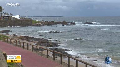Previsão do tempo: Salvador tem pancadas de chuva e ventania nesta terça-feira - Confira também as fotos do quadro 'Amanhecer' e as informações para o interior do estado.