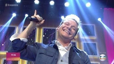 Michel Teló canta 'Casal Modão' - Plateia se anima e canta junto com o sertanejo