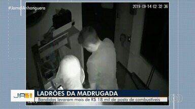 Ladrões são filmados roubado posto de combustíveis de Piracanjuba - Eles levaram mais de R$ 18 mil.