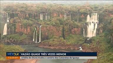 Seca muda a paisagem nas Cataratas do Iguaçu - Vazão é quase três vezes menor