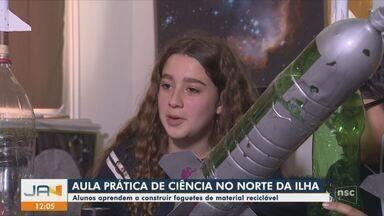Estudantes aprendem a construir foguetes de material reciclável em Florianópolis - Estudantes aprendem a construir foguetes de material reciclável em Florianópolis