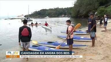 Aulas de canoagem são oferecidas de graça para moradores de Angra dos Reis e Paraty - Interessados devem procurar a prefeitura para começar a aprender o esporte.