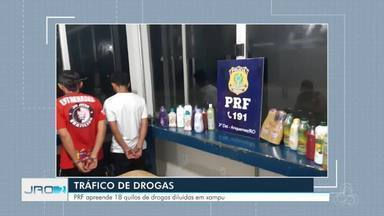 Cerca de 18kg de cocaína diluída em xampu são apreendidos em Ariquemes - PRF abordou jovens que pretendiam levar a droga para o sudeste do país.
