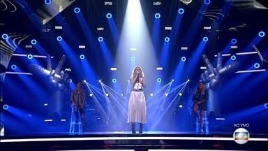 "Camilla Marotti canta ""Gravity"" - Cantora abre a quarta Rodada de Fogo"