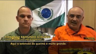 Bombeiros que estão na região norte do país conversam com equipe da RPC - Eles saíram do Paraná e estão na Amazônia para combater os incêndios.