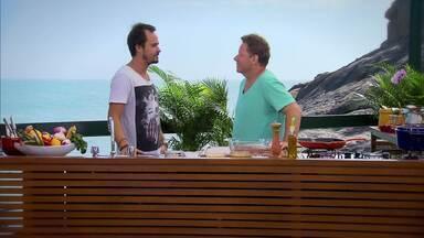 Paulo Vilhena - Em clima tropical, que combina com o convidado e ator Paulo Vilhena, o chef Claude Troisgros faz um ceviche de pargo ao tucupi, banana e aspargo.