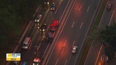Acidente na Raposo Tavares - Ninguém ficou ferido e o congestionamento chegou a 3 quilômetros.