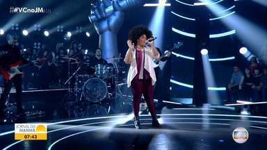 Baiana de Valença avança para a próxima etapa do programa The Voice Brasil - Confira a apresentação da artista, que é do time da cantora Iza.
