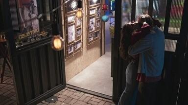 Rita se emociona com a possibilidade de ficar perto de Nina e Filipe - Filipe diz que nada vai ipedí-los de ficar juntos
