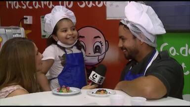 Crianças internadas em hospital oncológico participam de oficina de culinária - Chef promoveu atividade gratuita.