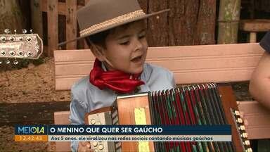 Gauchinho paranaense faz sucesso nas redes sociais - Ele é apaixonado pela tradição gaúcha e já gravou música declarando o amor pelo Rio Grande do Sul.