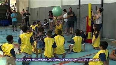 Dia nacional do atleta paralímpico reúne crianças e adolescentes em São Januário - Dia nacional do atleta paralímpico reúne crianças e adolescentes em São Januário