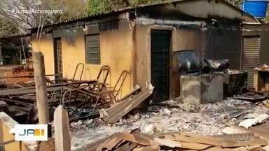 Governo de Goiás faz força-tarefa para investigar incêndios criminosos - A quantidade de incêndios no estado preocupam moradores.