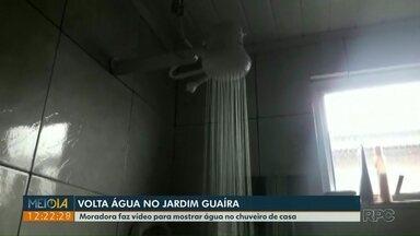 Meio-Dia Paraná mostrou e a água no Jd. Guaíra voltou - Moradora mandou um vídeo mostrando a água no chuveiro de casa.