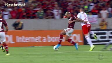 Márcio Chagas analisa polêmicas da arbitragem na derrota do Inter para o Flamengo - Assista ao vídeo.