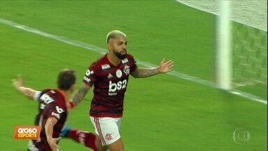 O líder Flamengo vence o Internacional e completa oito vitórias seguidas - O líder Flamengo vence o Internacional e completa oito vitórias seguidas