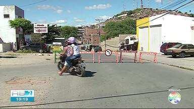Bairro João Mota recebe obras em Caruaru - Entrada do bairro foi liberada.