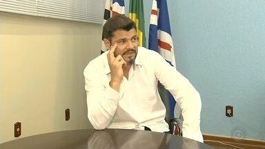 Ex-prefeito de Bariri é condenado a 11 anos de prisão por estupro de menina de 8 anos - Crime aconteceu em abril de 2018 em Bauru, quando Paulo Henrique Barros de Araújo era prefeito interino de Bariri.