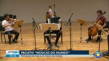 """JPB2JP: Músico da Lituânia é o participante desta quinta do projeto """"Músicas do Mundo"""" - Na Sala de Concertos do Espaço Cultural."""