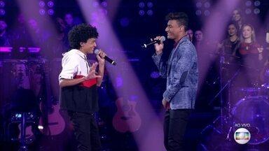 "Ramon e Rafael cantam ""Pais e Filhos"" - Dupla disputa vaga na semifinal"