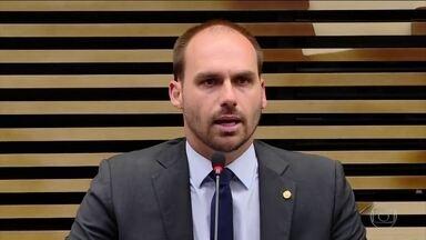 Eduardo Bolsonaro recebe críticas após publicar foto falsa de Greta Thumberg - Post recebeu comentários negativos, inclusive de senadores que terão de votar a indicação do nome de Eduardo para o cargo de embaixador do Brasil nos Estados Unidos.