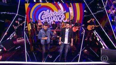 Zé Neto e Cristiano cantam 'Largado às Traças' - Plateia canta junto